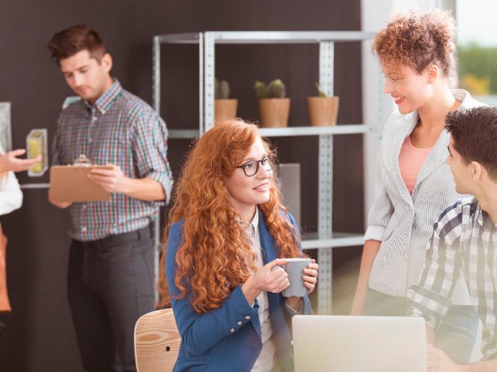 Como soluções criativas e personalizadas podem resolver problemas na educação corporativa